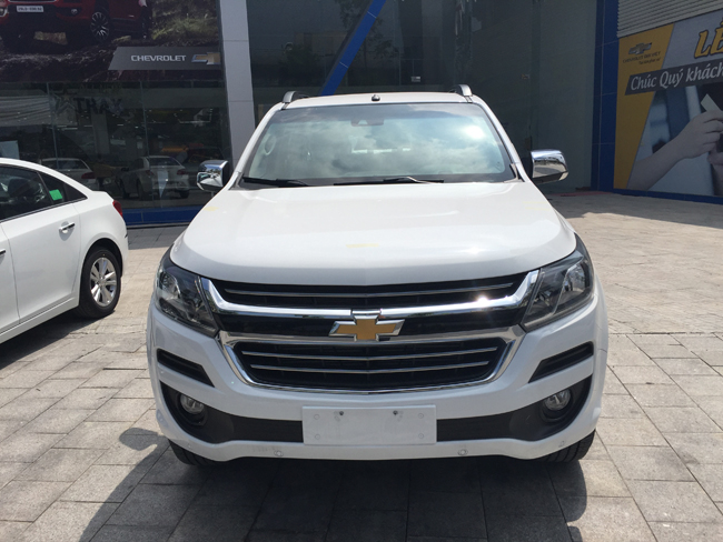 colorado 2.5 vgt 4x4 at ltz mới
